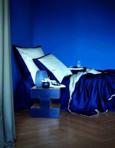Ideas home bedroom blue beds Blue Rooms, Blue Walls, Bedroom Green, Bedroom Decor, Bedroom Ideas, Chaise Relax, Pouf Bleu, Bedroom Paint Colors, Blue Bedding