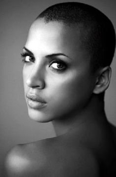 I hate this women for being able to pull off the bald look!! Freak of nature- Noemi Lenoir (natural beauty)
