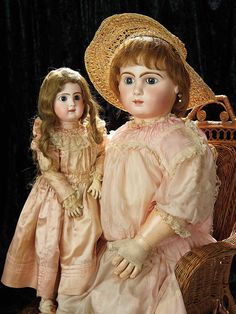 Soirée: Antique Dolls and Automata, May 14th: 45 Outstanding French Bisque Bebe by Emile Jumeau in Very Rare Size 20