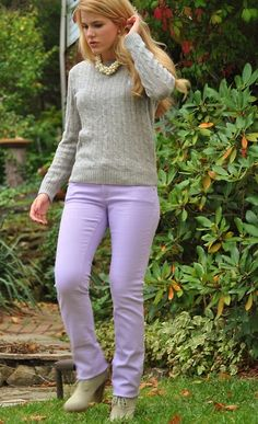 colored jeans, grey sweater, chunky necklace