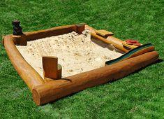Sandkasten mit Spielelementen- Ziegler Spielplätze