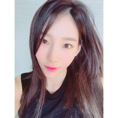 "[Taengstagram] @taeyeon_ss : ""아무도 모르더라 나랑 옥쌤만 알아 #코덕 #자기만족 @hamjiback"""