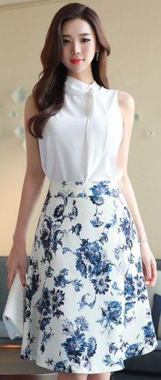 StyleOnme_Floral Print A-Line Skirt #blue #elegant #floral #aline #skirt #koreanfashion #kstyle #kfashion #seoul #dailylook