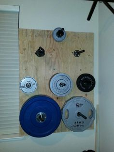 I Love Stuff: DIY wall-mounted weight plate storage