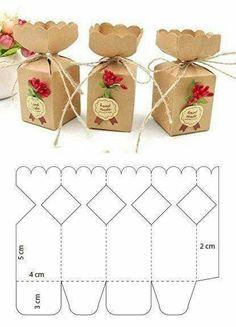 Paper Gift Box, Diy Gift Box, Diy Box, Paper Gifts, Diy Paper Box, Homemade Gift Boxes, Paper Boxes, Paper Art, Paper Crafts Origami
