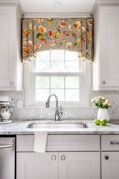 Feature Friday: A Kitchen Renovation in Marietta - Southern Hospitality - You are in the right place about kitchen window Here we offer you the most beautiful pictures abou - Valance Window Treatments, Window Treatments Living Room, Custom Window Treatments, Cornices, Treatment Rooms, Kitchen Window Valances, Kitchen Curtains, Kitchen Curtain Designs, Kitchen Window Coverings