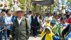 """Marco Arana en reencuentro con sus raíces La fiesta de Las Cruces de Porcón en Cajamarca: testimonio de una nostalgia El congresista Marco Arana, como todos sabemos, fue sacerdote y párroco de Porcón durante dos décadas. Este fin de semana regresó para la fiesta del Domingo de Ramos a estar entre la gente a """"la que le debo tanto"""", según nos dice. Y tuiteó con emoción cada parte de su participación en esa fiesta religiosa. Mensajes con fotos que reproducimos aquí, con las leyendas que puso…"""