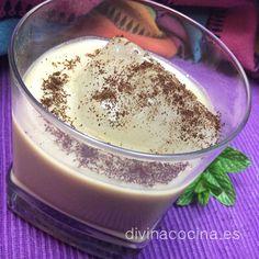 Para 750 ml de Baileys: 2 tazas de whisky - 2 tazas de leche condensada - 2 cucharaditas de esencia de vainilla o vainilla en polvo – 1 ó 2 cucharadas (al gusto) de café instantáneo (Nescafé) disuelto en media taza de agua – 1 cucharada de cacao en polvo instantáneo