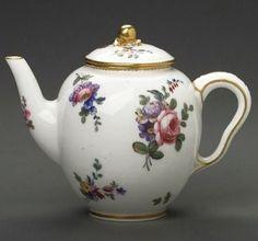Sevres, 1774 (Erdinç Bakla archive)