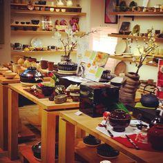 展示が変わりました作家さんの器土鍋はもちろんお正月用に重箱なども是非お気軽にお立ち寄りください #織部 #織部下北沢店 #陶器 #器 #ceramics #pottery #clay #craft #handmade #oribe #tableware #porcelain