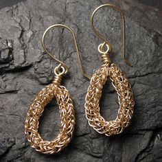 Viking Wire Weaving | JewelryLessons.com | Learn how to make your own precious jewelry ...