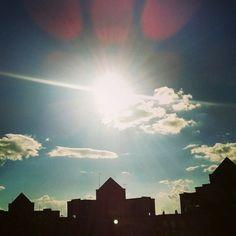 A #contraluz. #Vista del #apartamento con mucho #sol.