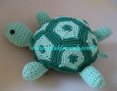 pas a pas en images - Crochet Passion Crochet Amigurumi, Amigurumi Patterns, Crochet Toys, Knit Crochet, Crochet Patterns, Crochet Bolero, Filet Crochet, School Art Projects, Cute Creatures