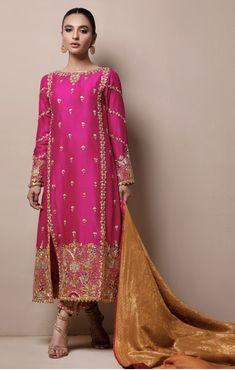Meraki My pins Shadi Dresses, Pakistani Formal Dresses, Pakistani Dress Design, Dress Formal, Dress Indian Style, Indian Dresses, Indian Outfits, Mehndi Outfit, Pakistani Fashion Party Wear
