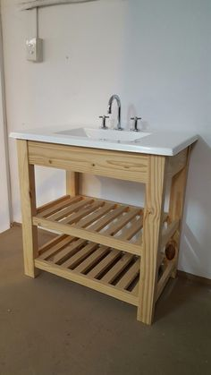 Diy Bathroom Vanity, Rustic Bathroom Vanities, Wooden Bathroom, Diy Vanity, Small Bathroom, Outdoor Furniture Plans, Pallet Furniture, Garden Sink, Outdoor Sinks