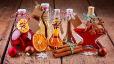Hot Sauce Bottles, Vodka, Triangle, Christmas Ornaments, Holiday Decor, Interiordesign, Food, Rustic Christmas, House Construction Plan