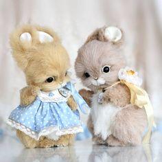 Hello teddy 2014 - Artist Teddy Bears and Friends by Anna Volkova Teddy Toys, Cute Teddy Bears, Rabbit Toys, Cute Plush, Bear Doll, Crochet Bear, Cute Toys, Animal Crafts, Cute Baby Animals