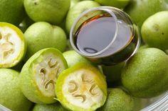 Szczęśliwa w kuchni...: Nalewka z zielonych orzechów włoskich Lime, Fruit, Drinks, Food, Alcoholic Drinks, Juice, Essen, Drinking, Limes