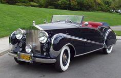 1947 Rolls-Royce Silver Wraith Convertible Victoria by Inskip Auto Retro, Retro Cars, Vintage Cars, Antique Cars, Vintage Ideas, Limousine Rolls Royce, Rolls Royce Cars, Rolls Royce Drophead, Rolls Royce Vintage