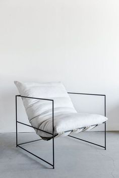 Astonishing Diy Ideas: Minimalist Decor Home Wall Art feminine minimalist bedroom style.Contemporary Minimalist Bedroom Floors minimalist home living room fireplaces.Minimalist Decor Modern Home Office. Modern Chairs, Modern Decor, Modern Armchair, Diy Ikea Hacks, Bedroom Furniture, Home Furniture, Industrial Furniture, Kitchen Furniture, Furniture Ideas