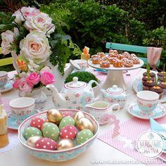 Five o Clock tea table decorated for easter - Tea time - Mesa de Chá decorada para Páscoa - Louça da Loja Santa Frescura Decoração