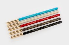 The miniature of Japanese Mark\'s ball pen is easy to carry with only 13cm length.
