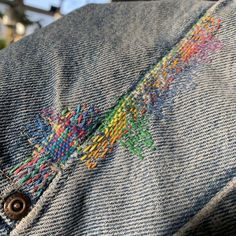 Rainbow darning on thrifted jeans - Visiblemending Visible Mending, Quilting, Make Do And Mend, Darning, Boro, Looks Cool, Fabric Art, Slow Fashion, Refashion