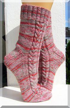 """Ravelry: wolletraum's """"Rapunzel lass dein Haar herunter"""" knit by B. Loom Knitting, Knitting Socks, Hand Knitting, Knitting Patterns, Crochet Socks, Crochet Yarn, Crochet Bedspread Pattern, Bed Socks, Patterned Socks"""