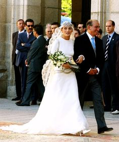 Luis Beltrán Ataulfo Alfonso Gómez-Acebo y Borbón and Laura Ponte The Bride: Laura Ponte y Martínez, a Spanish model who has worked for Valentino and Ralph Lauren. The Groom: Luis Beltrán Ataulfo Alfonso Gómez-Acebo y Borbón, nephew of Spanish King Juan Carlos I. When: Sept. 18, 2004. The couple is reportedly separated as of May 2010. Where: The royal palace of La Granja de San Ildefonso, known as the Versailles of Spain, in Segovia.