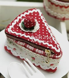 Piece of Cake  Cupcake zippered pouch. Inspiration.