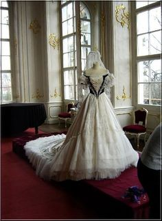 The Austrian Empress Sissi's coronation gown replica in Gödöllö Castle in Hungary. #Sissiballgown