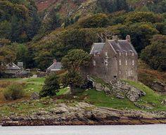scottish art painting of clan MacCallum castle