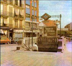 Madrid Metro, Barcelona, Street View, City, Plaza, Travel, Image, Isabel Ii, Buses