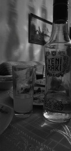 Skyy Vodka, Vodka Tonic, Vodka Martini, Absolut Vodka, Vodka Drinks, Smirnoff, Fake Instagram, Story Instagram, Vodka Recipes