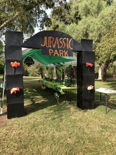 3rd Birthday Party For Boy, Park Birthday, Dinosaur Birthday Party, Birthday Party Decorations, Birthday Ideas, Fête Jurassic Park, Spiderman Theme Party, Dinasour Party, Artist Birthday