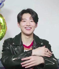 Baby Koala, Treasure Boxes, Yg Entertainment, Kpop Groups, My Boyfriend, Haha, Handsome, Entertaining, Boys