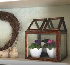Read our clever DIY home décor guide! Discover ten creative ways common dollar store finds can make you the perfect faux high-end pieces for any space. Dollar Tree Frames, Dollar Tree Decor, Diy Home Decor Projects, Diy Home Crafts, Decor Ideas, Craft Ideas, Craft Projects, Clever Diy, Easy Diy