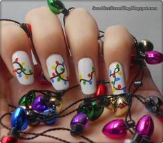 24. Christmas Lights Nails (unghii de Craciun cu luminite) - Sun after Storm