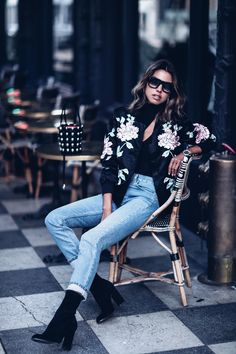 Dark Florals | VivaLuxury | Bloglovin'