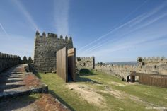 Gonçalo Byrne | 2005 2005 Castelo de Trancoso Trancoso, Portugal Castle House, Maine House, One Kings, Present Day, Landscape Architecture, Old And New, Conservation, Restoration, Mansions