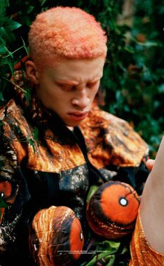 insignificant random news on fashion, art, design and pop culture Black Boys, Black Men, Shaun Ross, Mood And Tone, Male Poses, Albino, New Wave, Orange Color, Hiking Boots
