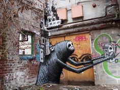"""""""Great piece by Phlegm  It looks like one of the creatures from the Japanese movie Spirited Away.""""  Por: http://amsterdamstreetart.com"""
