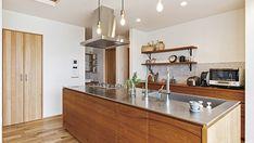造作家具にこだわったお店のような平屋のお家 I様邸 | 【公式】チェックハウス Kitchen Island, Table, Furniture, House Ideas, Home Decor, Kitchen, Island Kitchen, Decoration Home, Room Decor