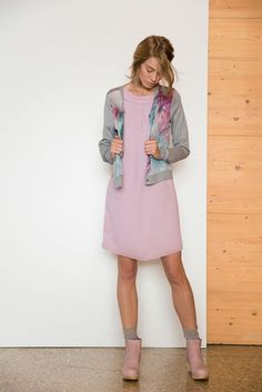 Dress Ewa Dawn / Cardigan Svetlan Grey #vanhassels #fashion #prints