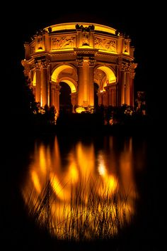 Ahhhh ~ one of my very favorite places in San Francisco! Palace of Fine Arts at Night, San Francisco The Places Youll Go, Places To See, Monuments, Palace Of Fine Arts, Wanderlust, Famous Castles, California Dreamin', Kirchen, Places To Travel