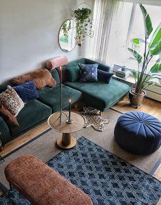Green velvet sofa and blue velvet pouf Living Room Green, Living Room Sofa, Home Living Room, Living Room Decor, Blue Velvet Sofa Living Room, Interior Design Living Room, Living Room Designs, Green Sofa, Velvet Green Couch