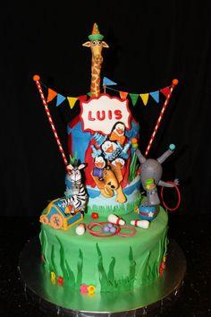 Madagascar Circus Set Of Fondant Cake Toppers By HeavenlyCakesFL $260  cakepins.com