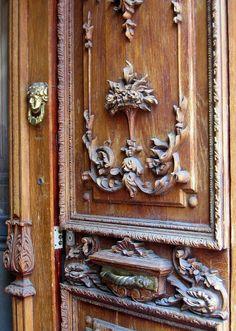 Door in Puebla - Wood Carving Art, Wood Carvings, Arch Doorway, World Decor, Knobs And Knockers, Antique Doors, Portal, Wood Doors, Windows And Doors