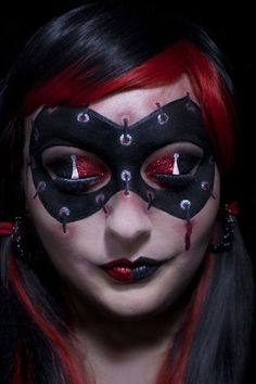 Halloween Jester Makeup: 2018 Ideas, Pictures, Tips — About Make Up Halloween Makeup pictures of halloween makeup ideas Spooky Halloween, Harley Quinn Halloween, Harley Quinn Cosplay, Joker And Harley Quinn, Halloween Face Makeup, Halloween Ideas, Jester Halloween, Halloween 2020, Halloween Costumes