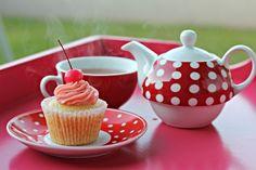 cool Vanillabean- Cherry Almond Cupcakes With  Maraschino Cherry Buttercream Frosting Check more at http://www.foodiehalt.com/vanillabean-cherry-almond-cupcakes-maraschino-cherry-buttercream-frosting/